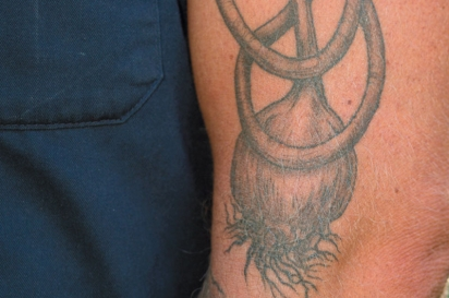 Tattoo of garlic