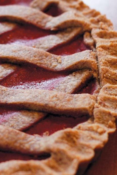 Raspberry Linzer Pie