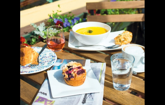 Le Petit Gourmet Café
