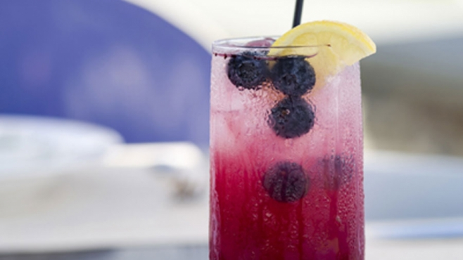 Spiked Blueberry Lemonade